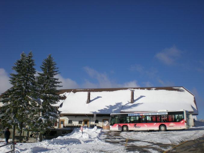 Skifahren mit Bus